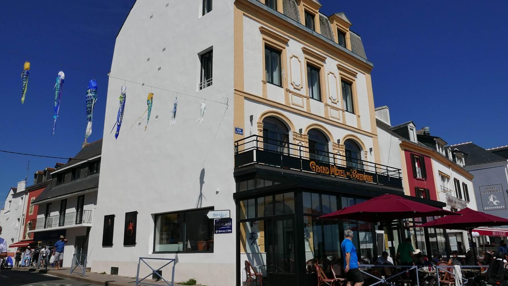 port-le-palais-hotel-de-bretagne-facade-exerieure ©