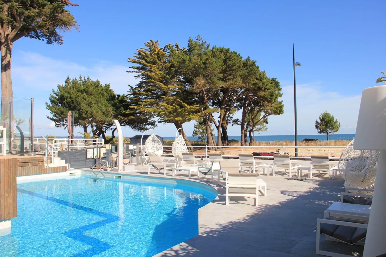 Vue mer depuis la piscine - Le DIANA**** Hôtel & Spa Nuxe ©