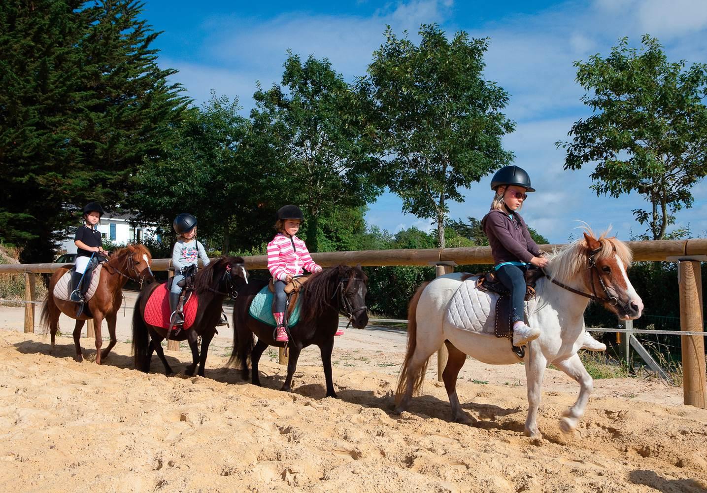 Cours d'équitation au Centre équestre sur place ©