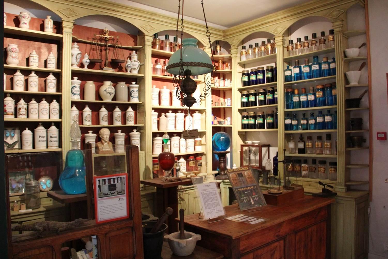 Apothicaire-Musée-des-Arts-Métiers-et-Commerces-Saint-Gildas-de-Rhuys-Presqu'île-de-Rhuys-Golfe-du-Morbihan-Bretagne sud © Mr Craneguy