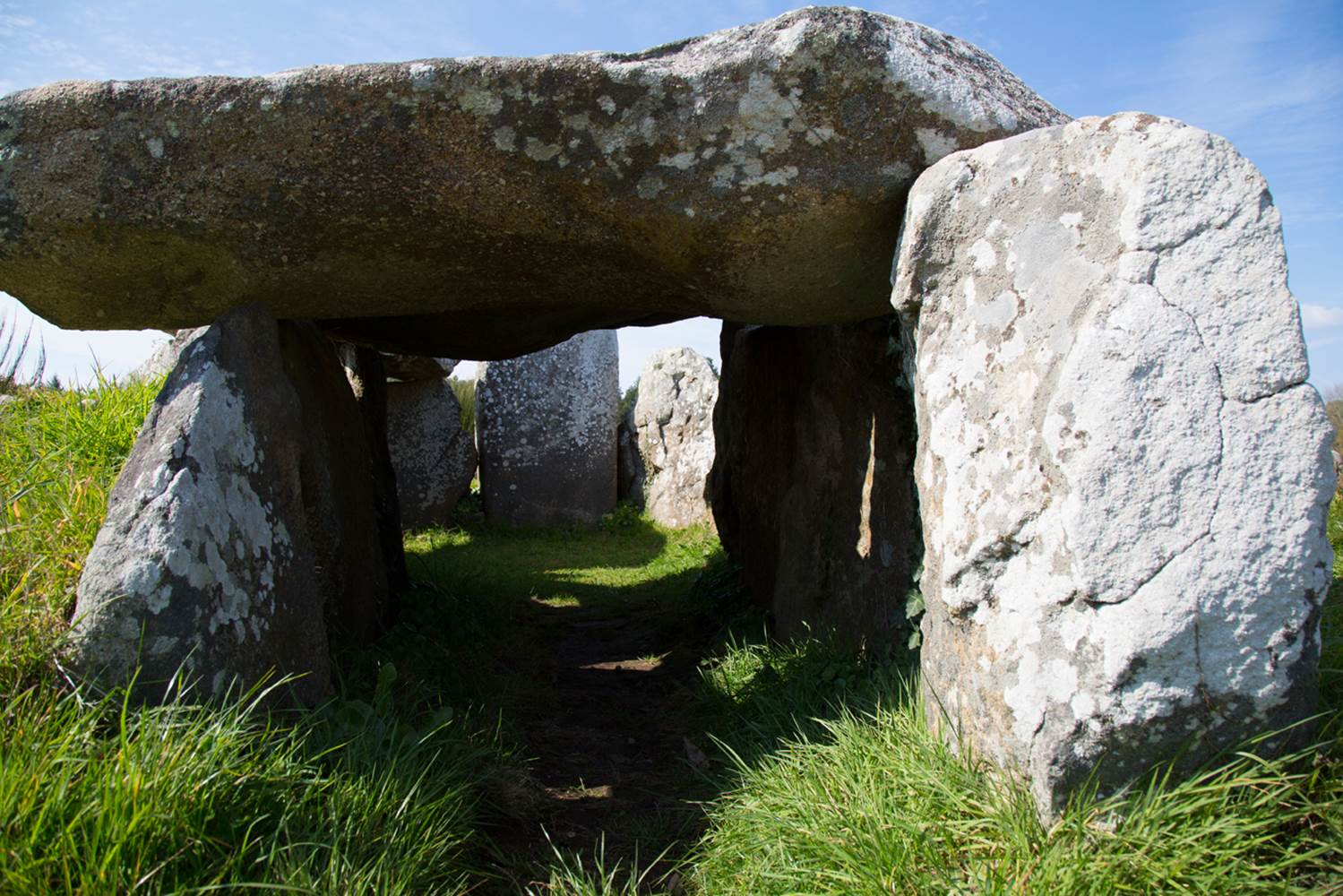 Vue-dolmen-Petit-train-touristique-Carnac-Morbihan-Bretagne-Sud © Le Bayon