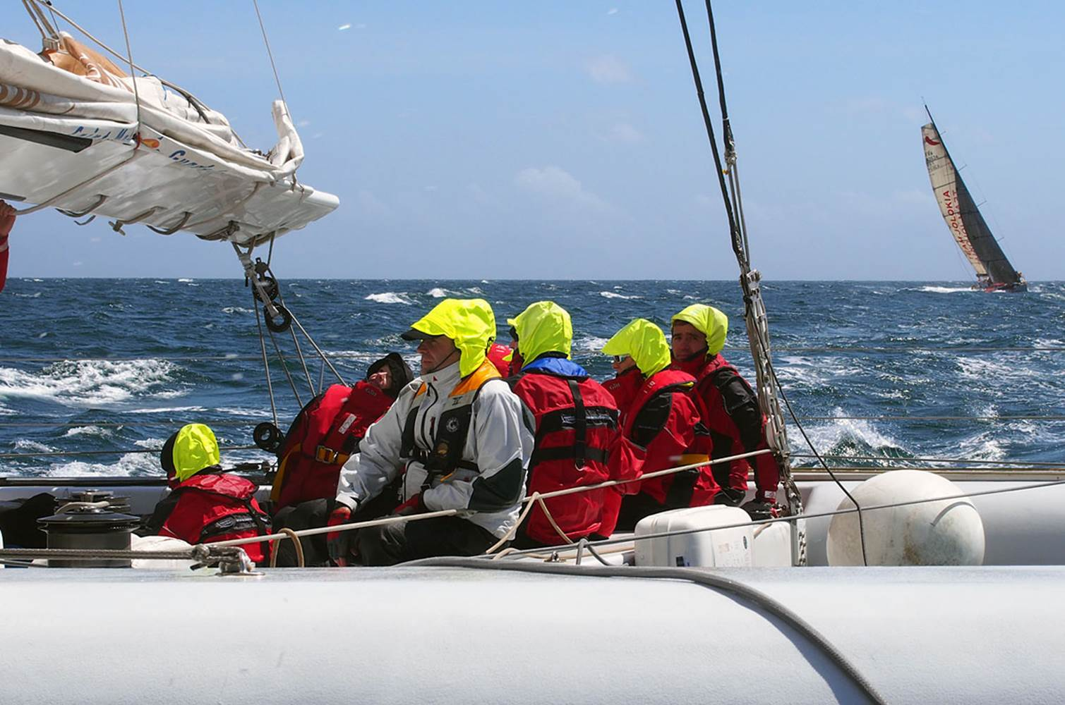 Embarquez en course à bord du maxi catamaran Explorer © CHALLENGE OCEAN