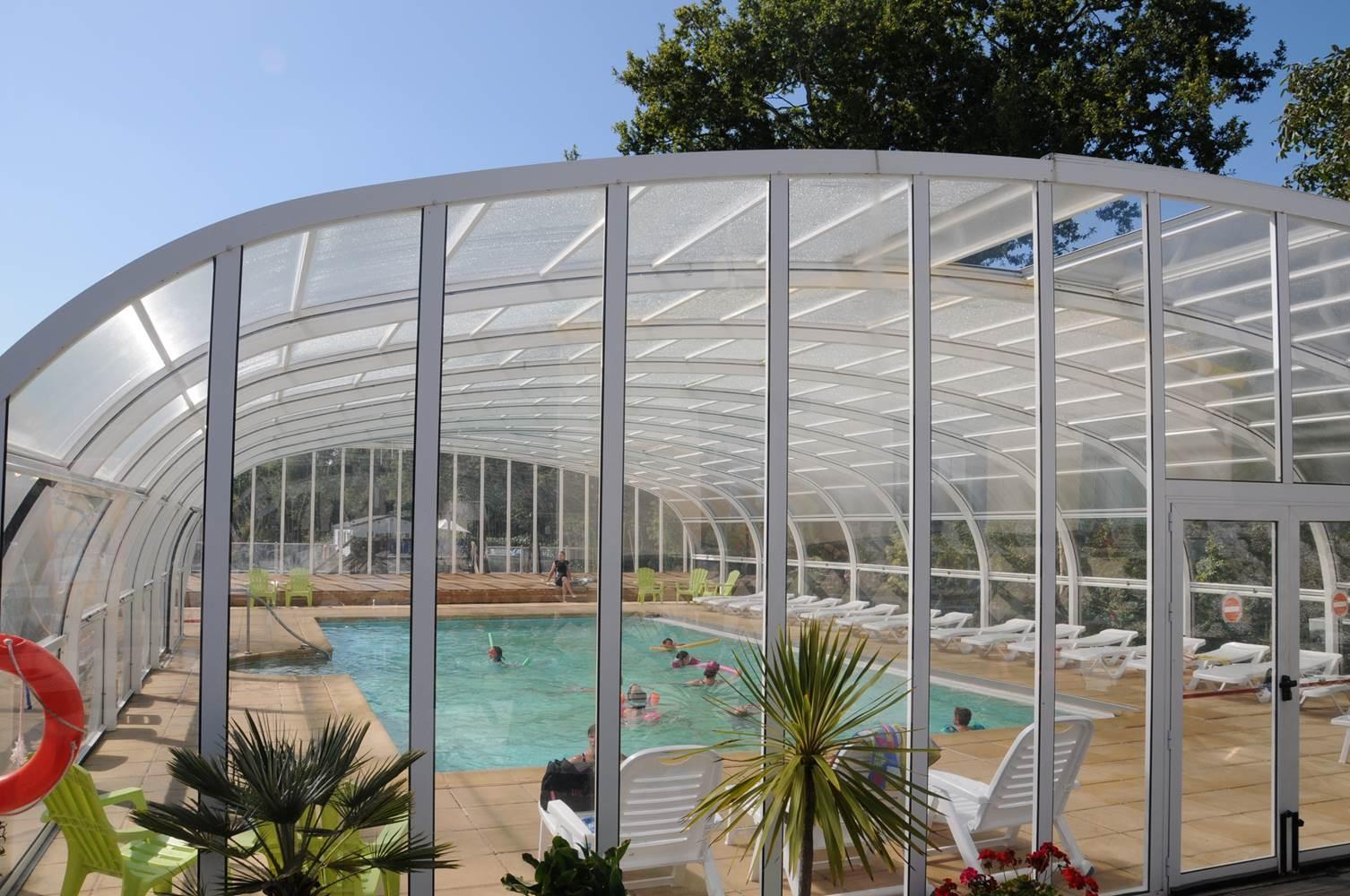 Vue de la piscine Camping LA BLANCHE HERMINE ©