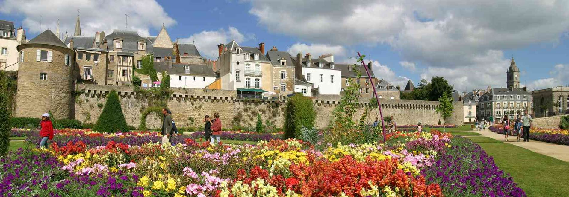 RANDO VANNES © CDT56-MS-Vannes remparts et chateau (11)