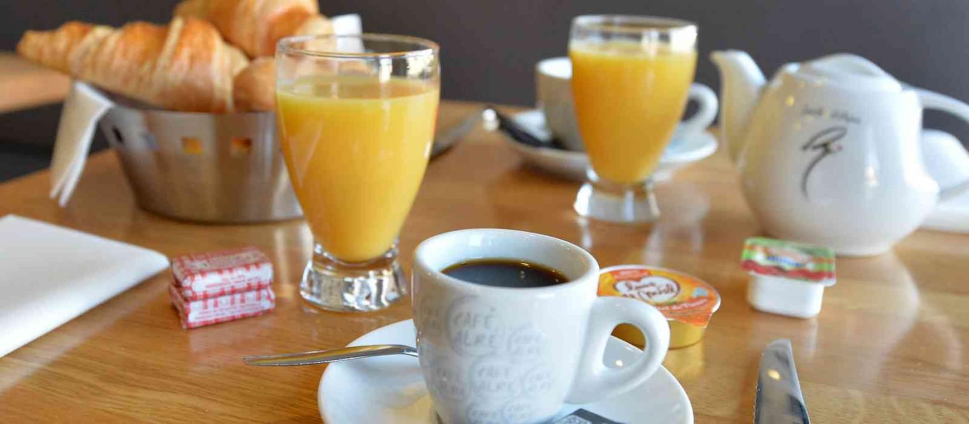 hotel-ibis-styles-vannes-petit-déjeuner © hotel-ibis-styles