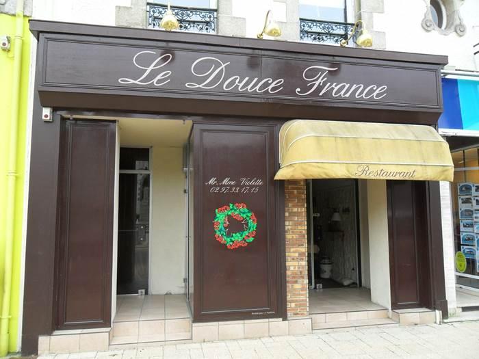 Le Douce France ©