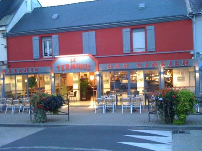 Cafe-Brasserie-Le-Terminus-Larmor-Plage-Lorient-Morbihan-Bretagne-sud © Café Brasserie Le Terminus