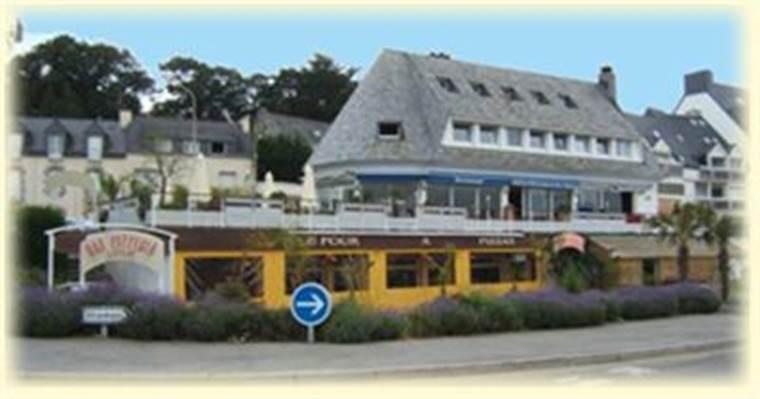 le-petit-bistrot-La-Trinité-sur-Mer-Morbihan-Bretagne-sud © Four à pizza