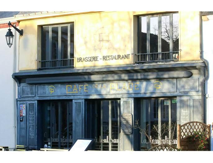 Café-de-la-Place-Saint-Gildas-de-Rhuys-Golfe-du-Morbihan-Bretagne Sud © Café de la Place