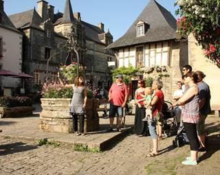 Visite guidée estivale de Rochefort-en-Terre - Morbihan Bretagne Sud © Rochefort-en-Terre Tourisme