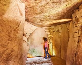 visite-megalithes-locmariaquer-morbihan-bretagne-sud © Alexandre Lamoureux