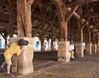 Visite guidée de Questembert - Les halles - Morbihan - Bretagne Sud © R.BURBANT