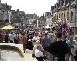 Fete-Andouille-GuemenesurScorff-Pays-Roi-Morvan-Morbihan-Bretagne-Sud © OTPRM