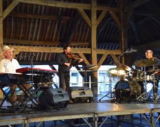 les jeudis du kiosque - Concert avec François Leroux Trio  ©