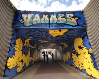 découvrir vannes par le street art-centre ville-golfe du morbihan-bretagne sud © christian julia photographes