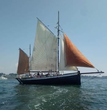 Leenan-head-voilier-Locmariaquer-Morbihan-Bretagne-Sud