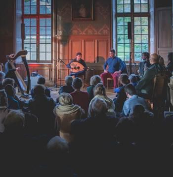 Concert de Fawaz Baker, Les Rencontres Musicales de Kerguéhennec, 2019 Photo : Gael Morvan