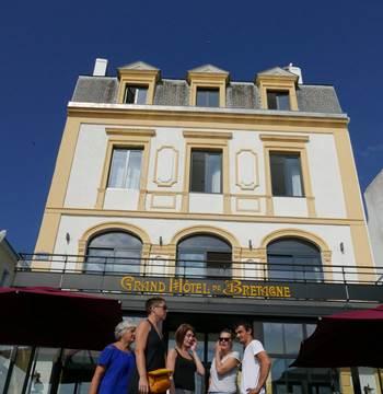 port-le-palais-hotel-de-bretagne-facade-exerieure (2)