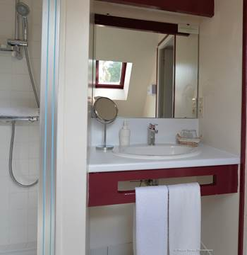 hotel-brithotellogislebranhoc-auray-Morbihan Bretagne Sud-salledebains