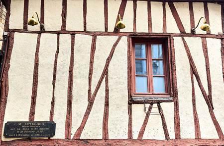 Croquez Vannes ! : La restauration de l'ancienne boucherie Jacquet - Le Plain : un travail de ferronnerie d'art