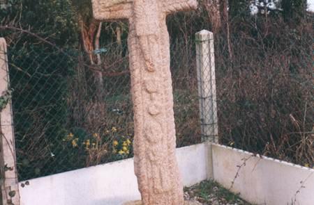 La croix de la Bouesnardière à Guilliers