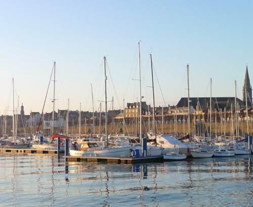 Port-Plaisance-POrt-Louis-Groix-Lorient-Morbihan-Bretagne-Sud © sellor