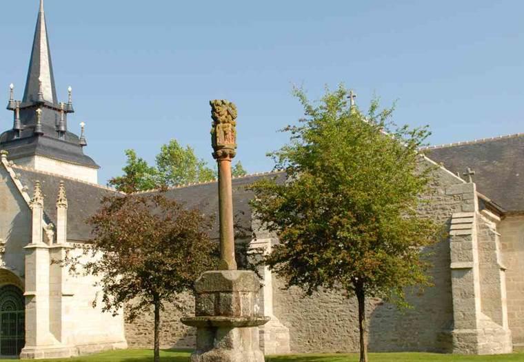 L-Art-dans-les-Chapelles-Plumeliau-Morbihan-Bretagne-Sud ©