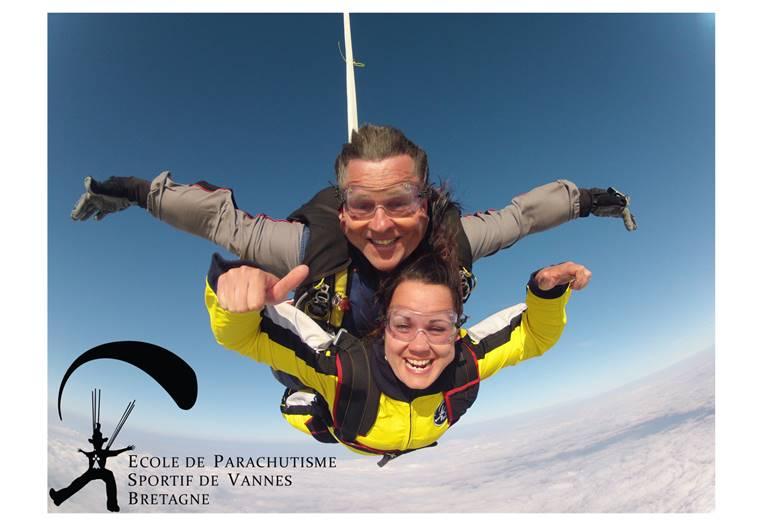 Ecole-de-Parachutisme-de-Vannes-Golfe-du-Morbihan-Bretagne sud ©