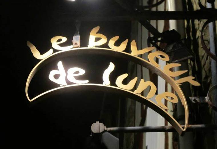 Le-Buveur-de-Lune-vannes-morbihan-bretagne-sud  ©