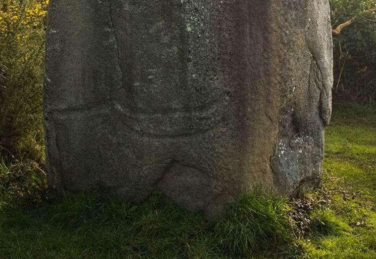Menhir de Kermaillard Sarzeau - Morbihan Bretagne sud © C. WACTAUSEN
