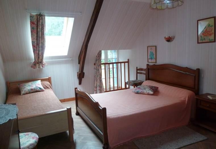 chambre d'hôte Le May-chambre rose-  BULEON ©