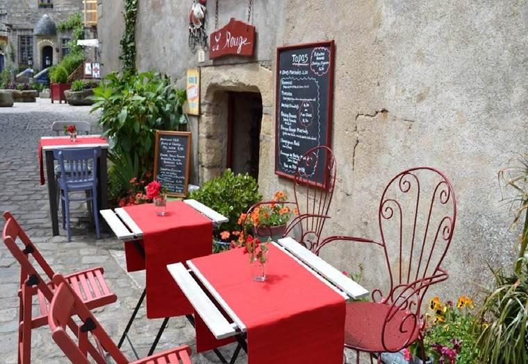 Le Rouge - Restaurant Bar a Tapas à Rochefort-en-Terre - Morbihan - Bretagne Sud © SANDS