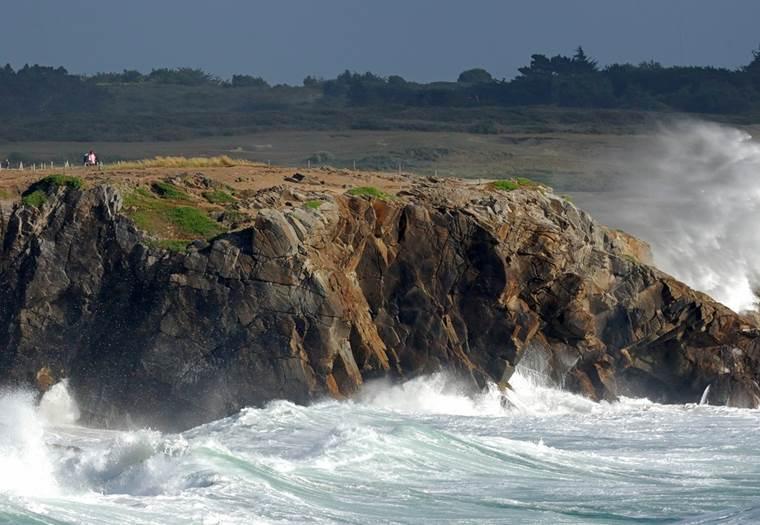 Côte sauvage Quiberon Morbihan Bretagne Sud -  bic sup © YLG 11 2010