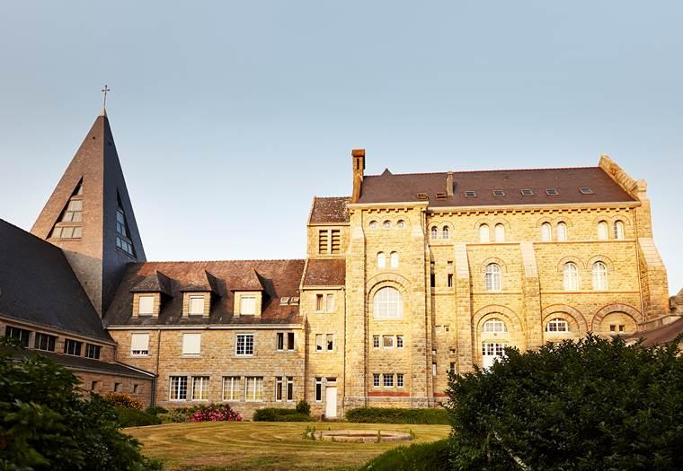 Abbaye-Sainte-Anne-Kergonan-Plouharnel-Morbihan-Bretagne-Sud © Alexandre Lamoureux