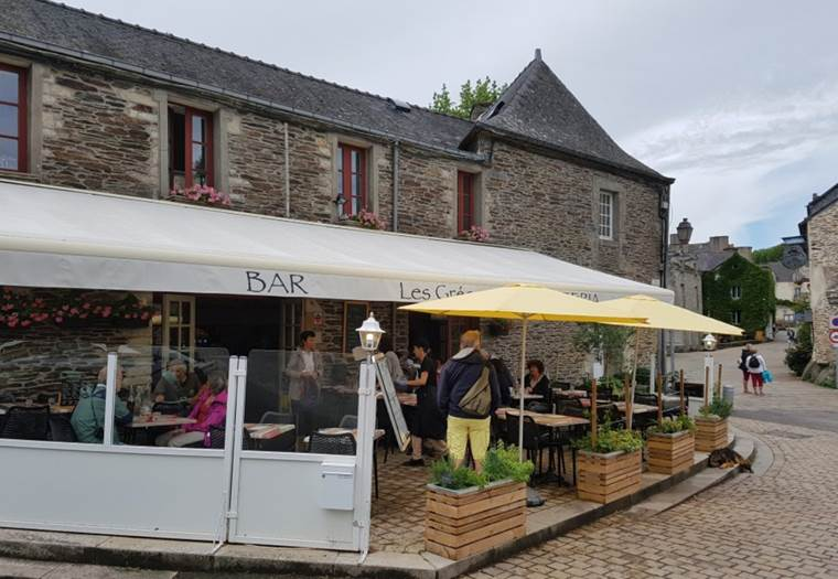 LES GREES - Crêperie Pizzeria Rochefort-en-Terre - Morbihan - Bretagne Sud © EMEREAU