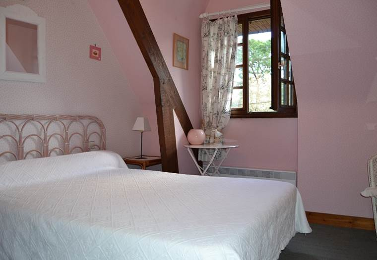 chambre-rose-brient-La-Trinité-sur-Mer-Morbihan-Bretagne-Sud ©
