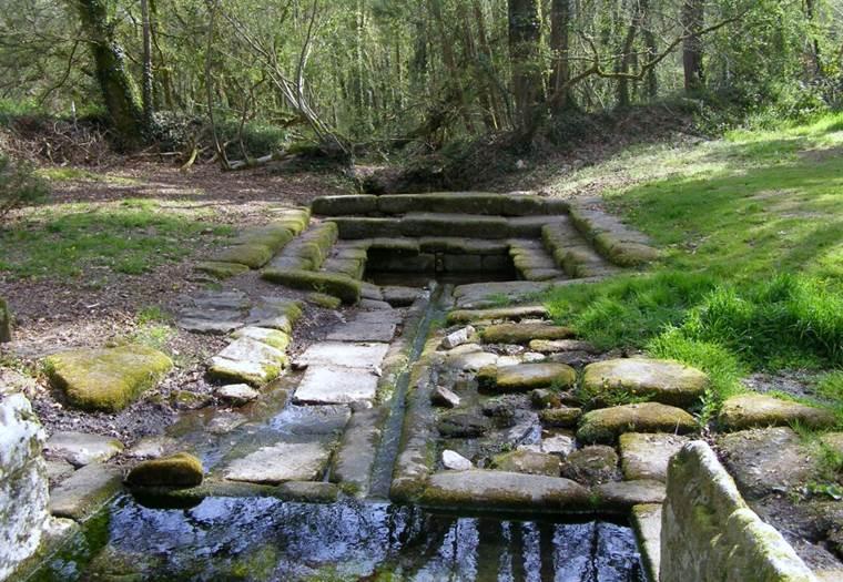Fontaine de Saint-Fiacre Le Faouet Pays du roi Morvan Morbihan Bretagne Sud © Michel Cadic