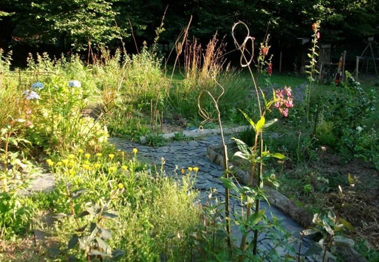 Des graines et des brouettes - La Vraie-Croix ©