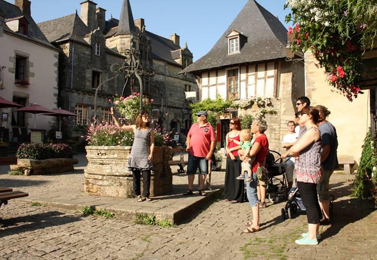 Visite guidée estivale de Rochefort-en-Terre - Morbihan - Bretagne Sud © RenT Tourisme