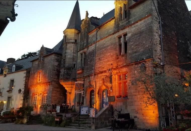 LA TOUR DU LION - Chambres d'hôtes à Rochefort-en-Terre - Morbihan - Bretagne Sud © MADI