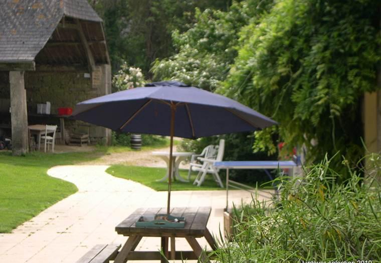lintever-facade-parasol-bleu 11-06-2007 17-34-55 ©